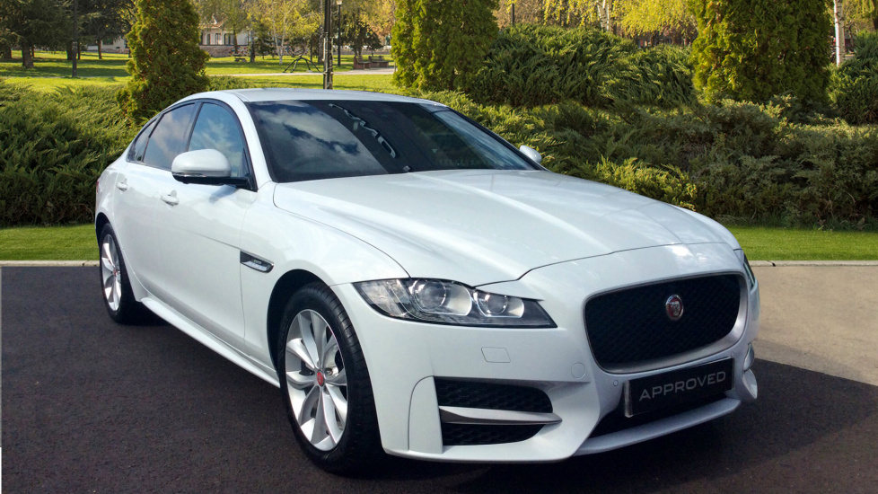 Jaguar XF 2.0i [250] R-Sport 4dr Automatic 5 door Saloon (2018) at Jaguar Barnet thumbnail image