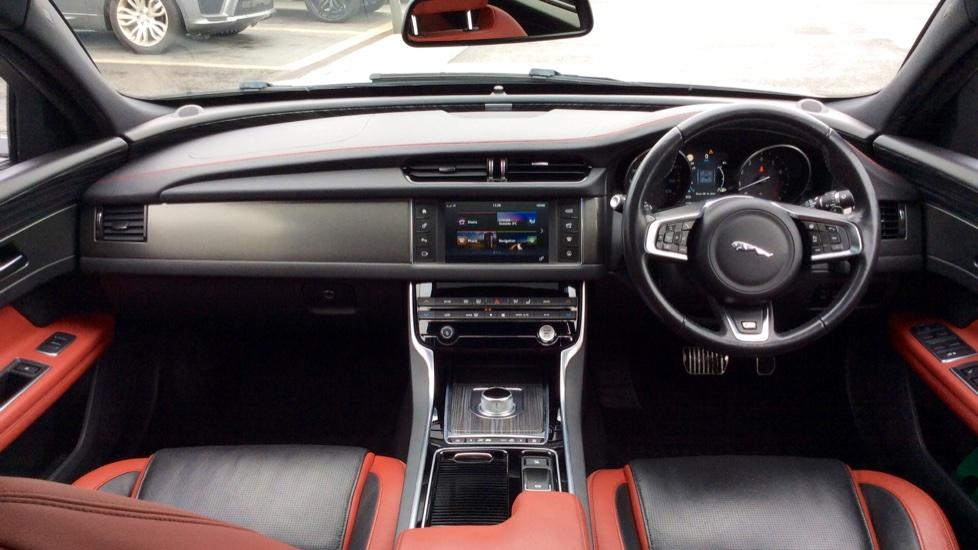 Jaguar XF 3.0 V6 Supercharged S image 8