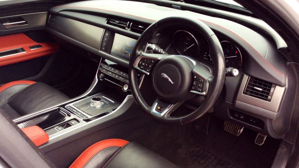 Jaguar XF 3.0 V6 Supercharged S image 17