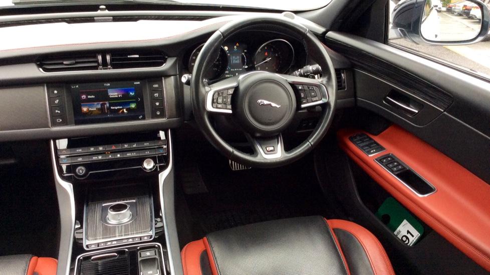 Jaguar XF 3.0 V6 Supercharged S image 28
