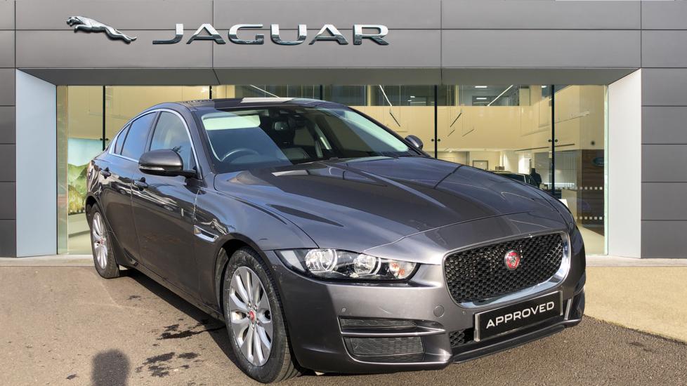 Jaguar XE 2.0d Prestige image 1