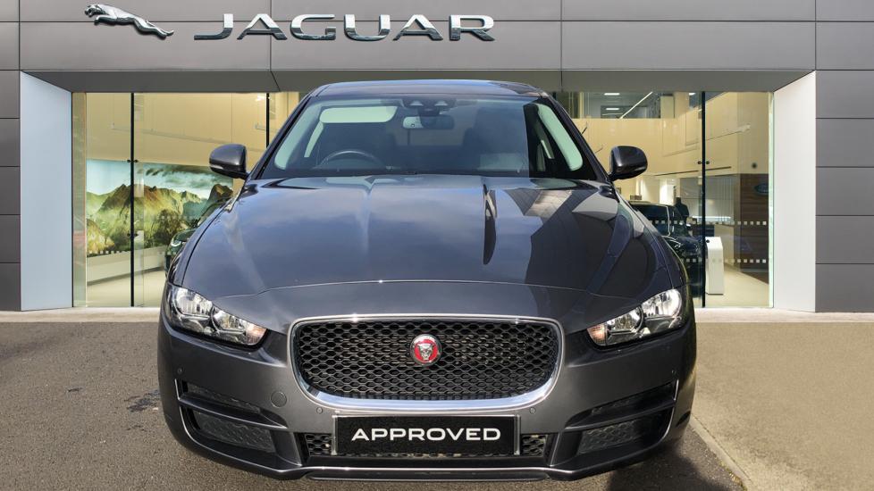 Jaguar XE 2.0d Prestige image 7