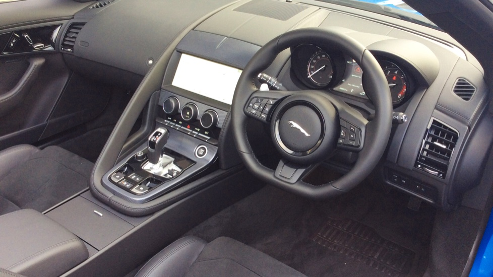Jaguar F-TYPE 2.0 R-Dynamic 2dr image 18