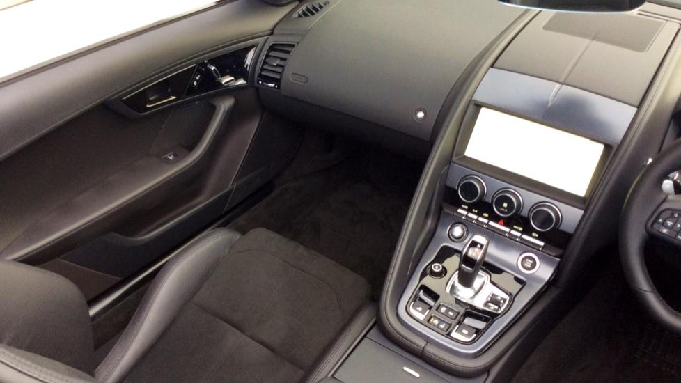 Jaguar F-TYPE 2.0 R-Dynamic 2dr image 21