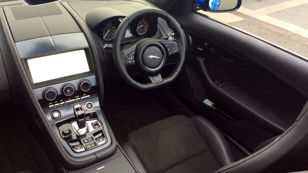 Jaguar F-TYPE 2.0 R-Dynamic 2dr image 22