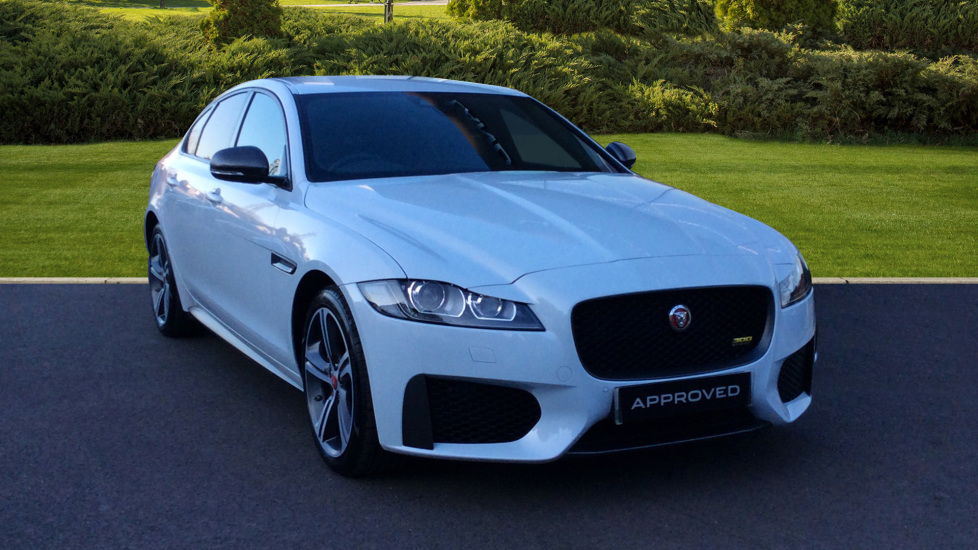 Jaguar XF 3.0d V6 300 Sport Diesel Automatic 4 door Saloon (2018) at Jaguar Barnet thumbnail image