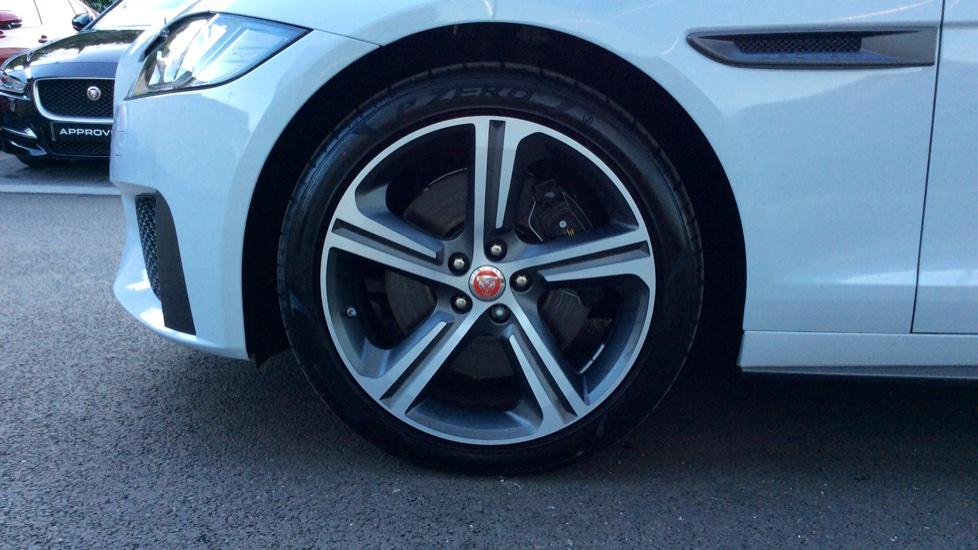 Jaguar XF 3.0d V6 300 Sport image 8