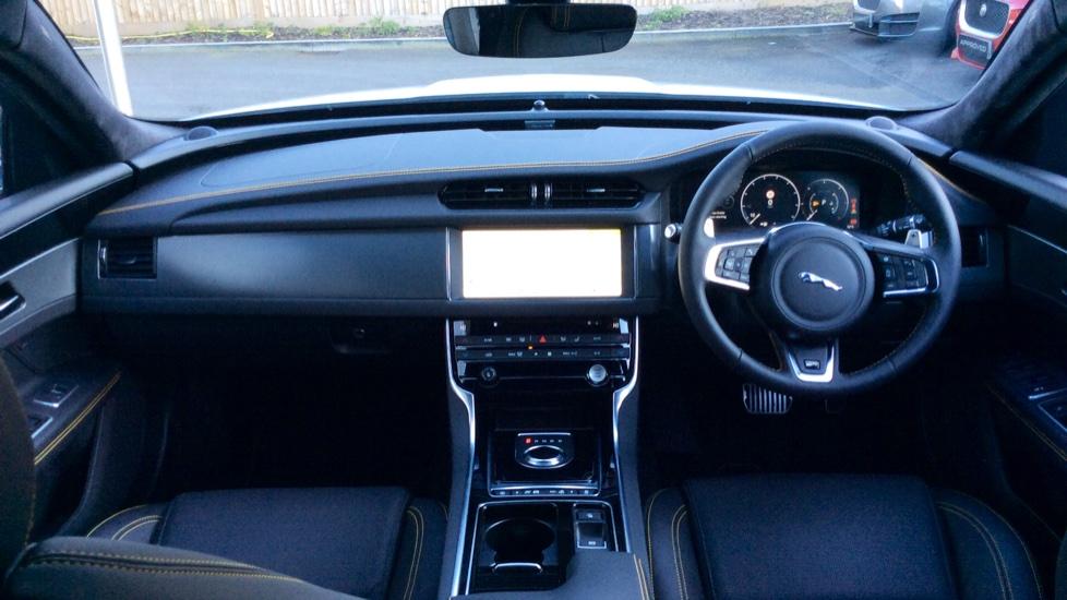 Jaguar XF 3.0d V6 300 Sport image 9