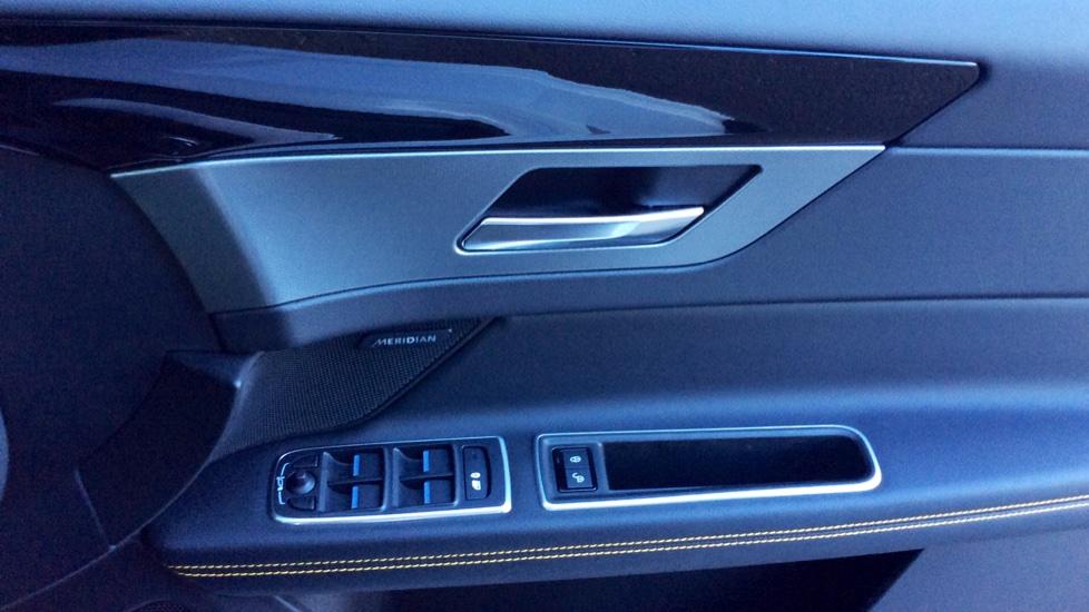 Jaguar XF 3.0d V6 300 Sport image 17