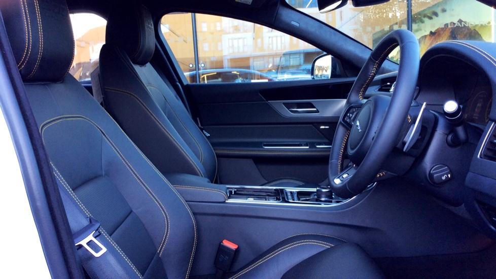 Jaguar XF 3.0d V6 300 Sport image 20