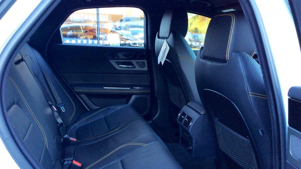 Jaguar XF 3.0d V6 300 Sport image 23