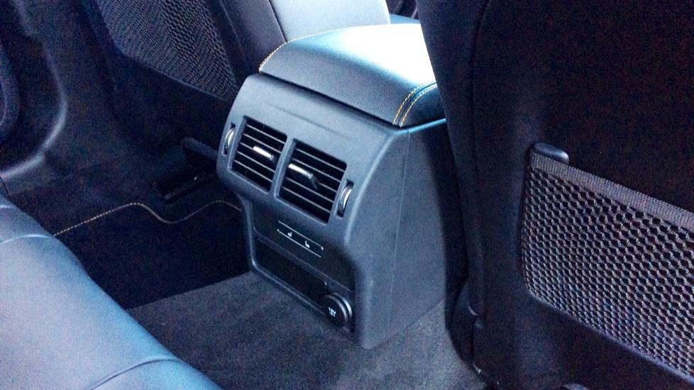 Jaguar XF 3.0d V6 300 Sport image 24