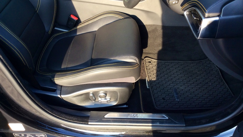 Jaguar XE 2.0 [300] 300 Sport AWD image 18