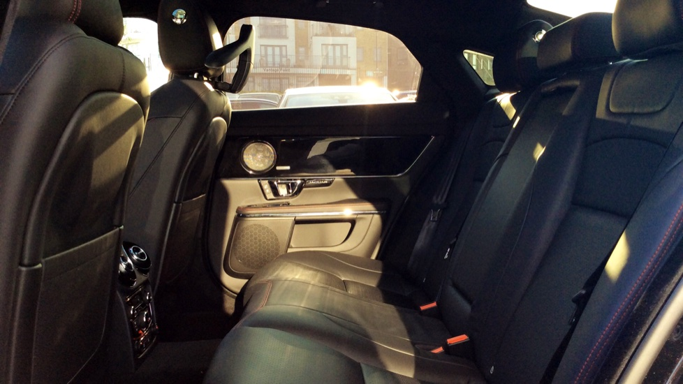 Jaguar XJ 3.0d V6 R-Sport image 4