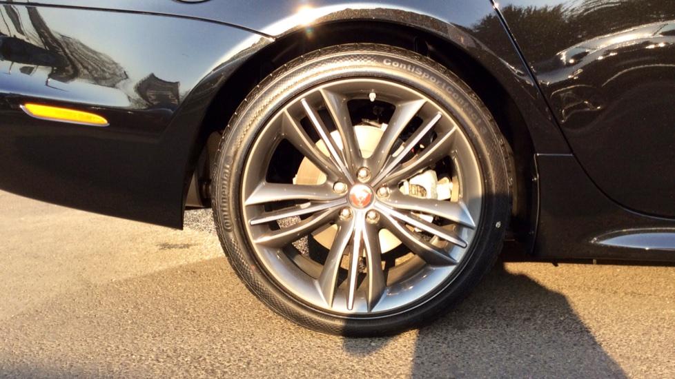Jaguar XJ 3.0d V6 R-Sport image 8