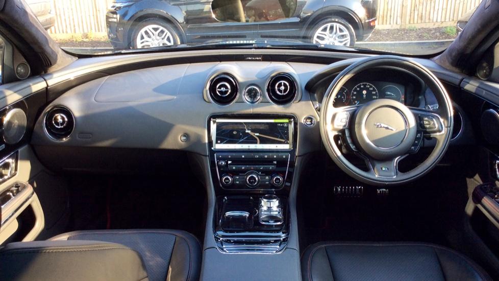 Jaguar XJ 3.0d V6 R-Sport image 9