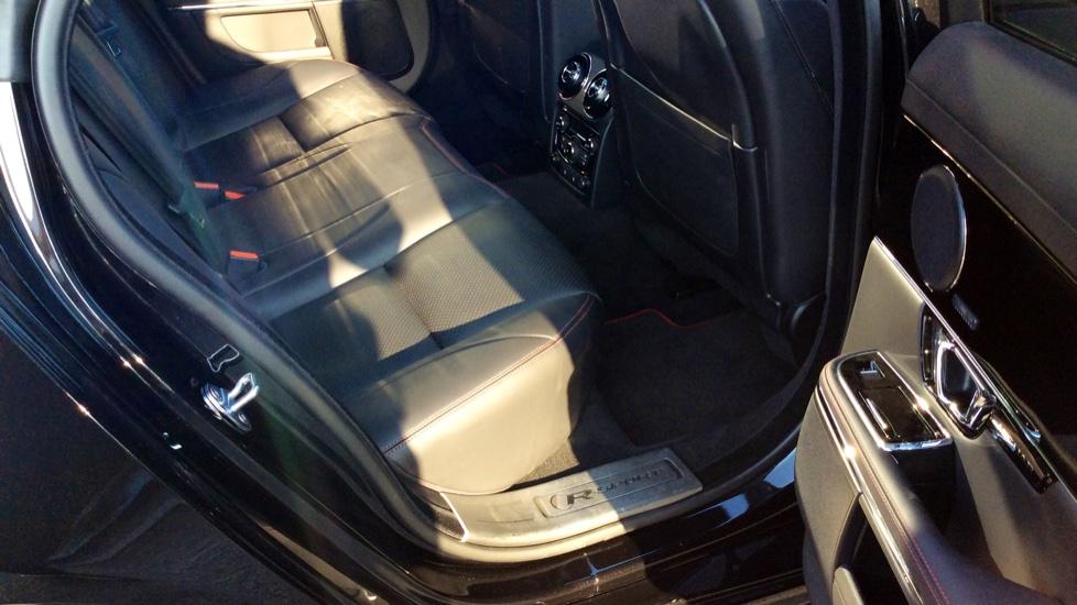 Jaguar XJ 3.0d V6 R-Sport image 22