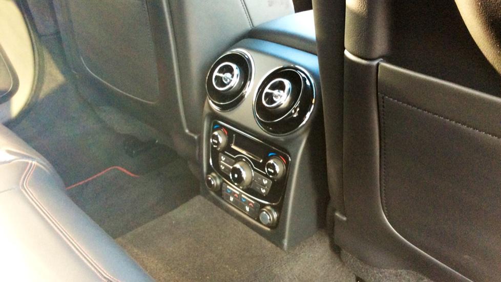 Jaguar XJ 3.0d V6 R-Sport image 24