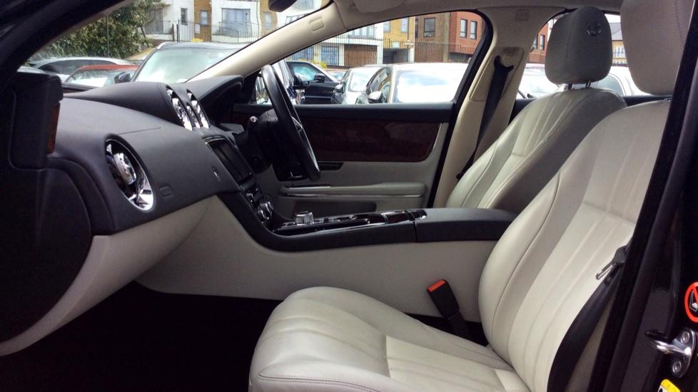 Jaguar XJ 3.0d V6 Premium Luxury [8] image 3