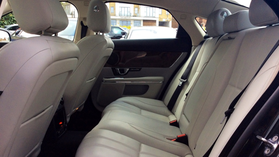 Jaguar XJ 3.0d V6 Premium Luxury [8] image 4