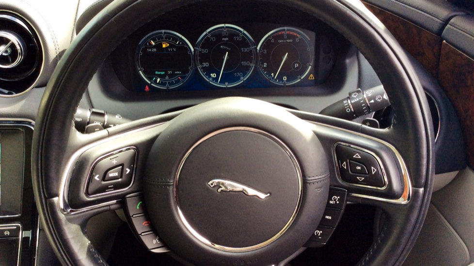 Jaguar XJ 3.0d V6 Premium Luxury [8] image 10