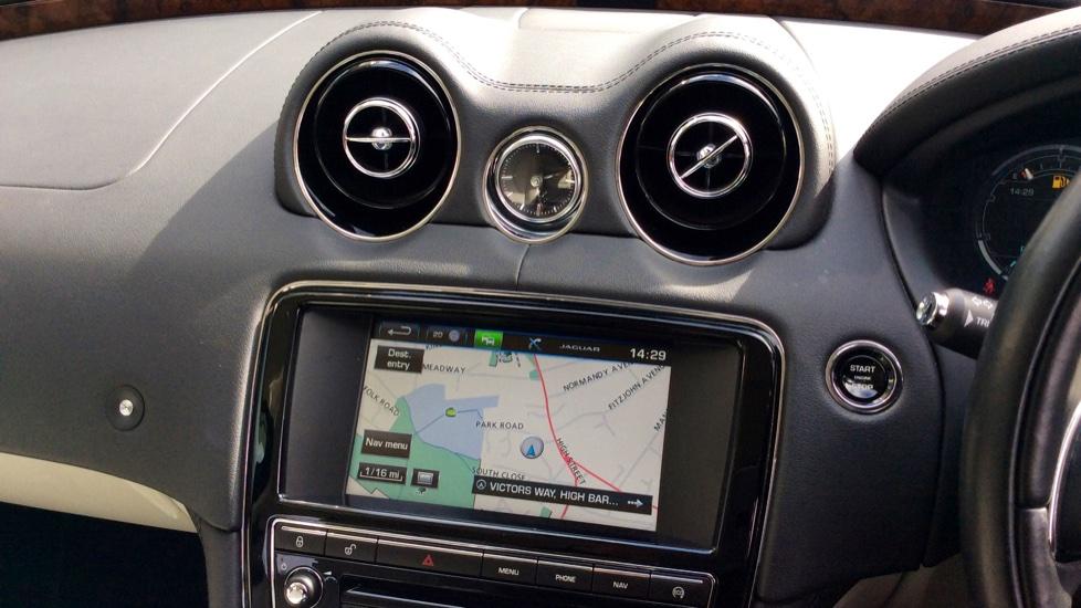 Jaguar XJ 3.0d V6 Premium Luxury [8] image 13