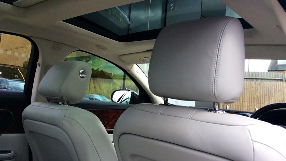 Jaguar XJ 3.0d V6 Premium Luxury [8] image 27