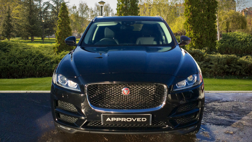 jaguar f pace portfolio 5dr awd diesel automatic 4x4. Black Bedroom Furniture Sets. Home Design Ideas