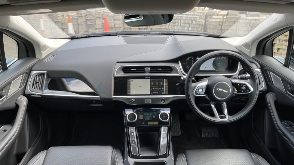 Jaguar I-PACE 294kW EV400 SE 90kWh [11kW Charger] Performance seats and Fixed panoramic roof image 9