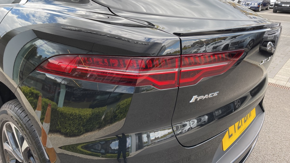 Jaguar I-PACE 294kW EV400 SE 90kWh [11kW Charger] Performance seats and Fixed panoramic roof image 20