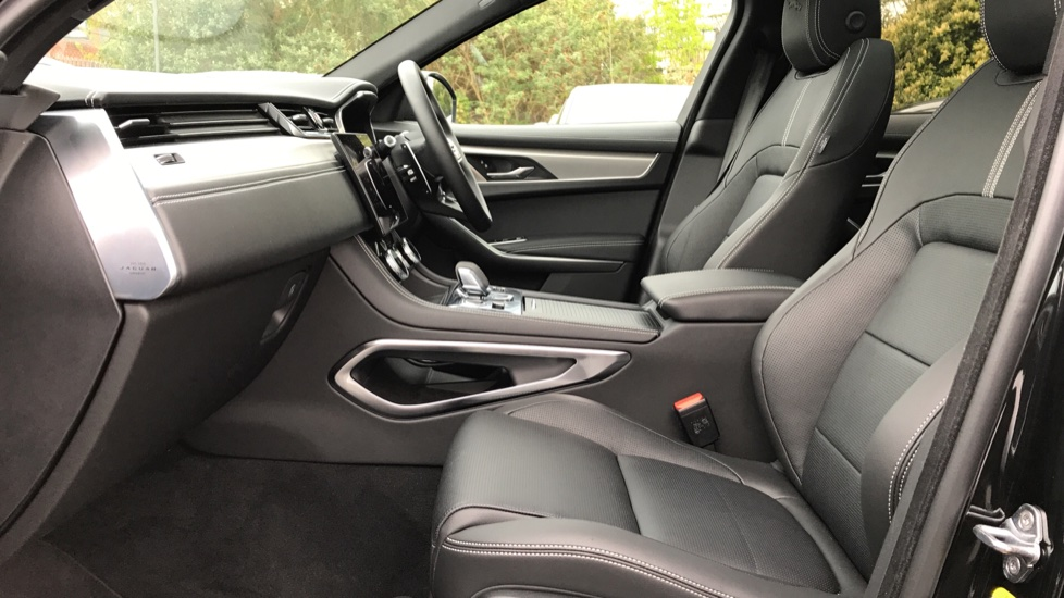 Jaguar F-PACE 2.0 P250 R-Dynamic S 5dr AWD image 3
