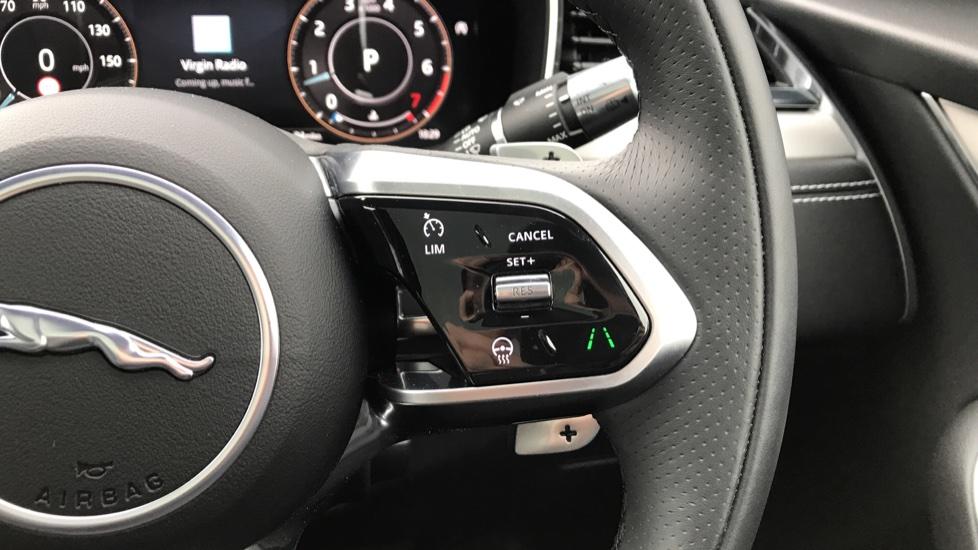 Jaguar F-PACE 2.0 P250 R-Dynamic S 5dr AWD image 19