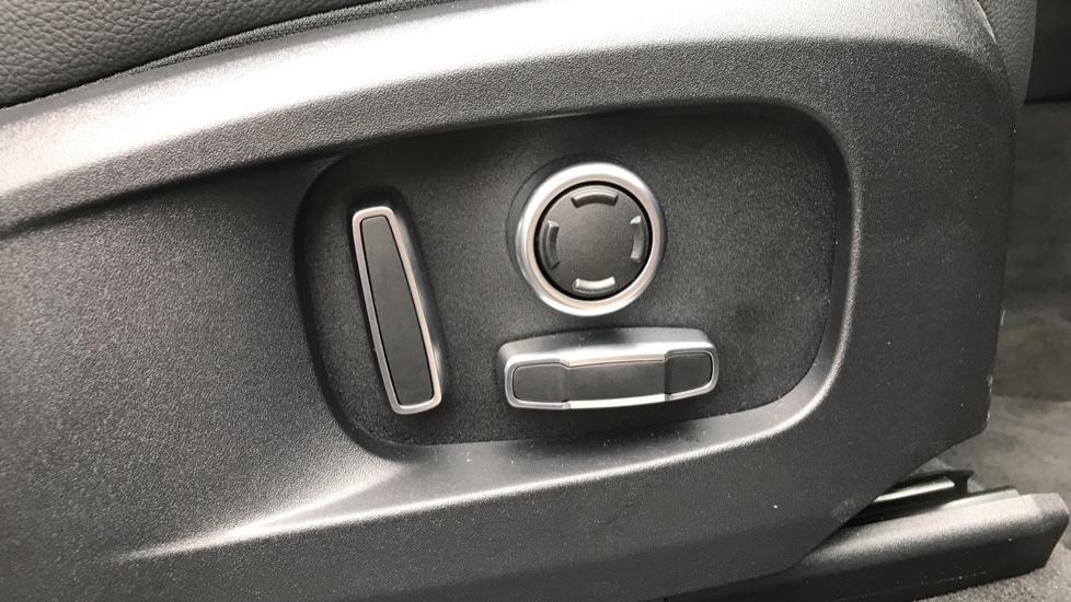 Jaguar F-PACE 2.0 P250 R-Dynamic S 5dr AWD image 21