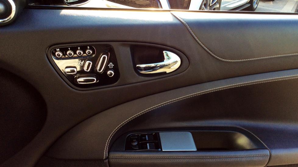 Jaguar XK 5.0 V8 Portfolio 2dr image 17