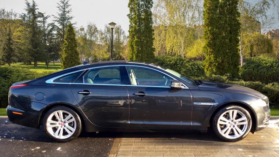 auto advertdetail grey xj rsport jaguar