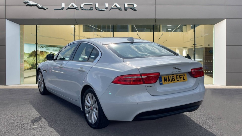 Jaguar XE 2.0d SE Cruise Control and Privacy glass image 2