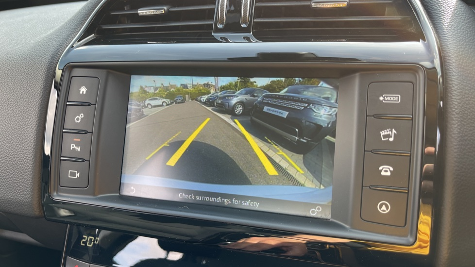 Jaguar XE 2.0d SE Cruise Control and Privacy glass image 13