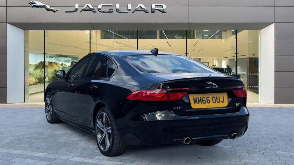 Jaguar XF 3.0d V6 S - Panoramic Roof - Navigation - Cruise Control image 2