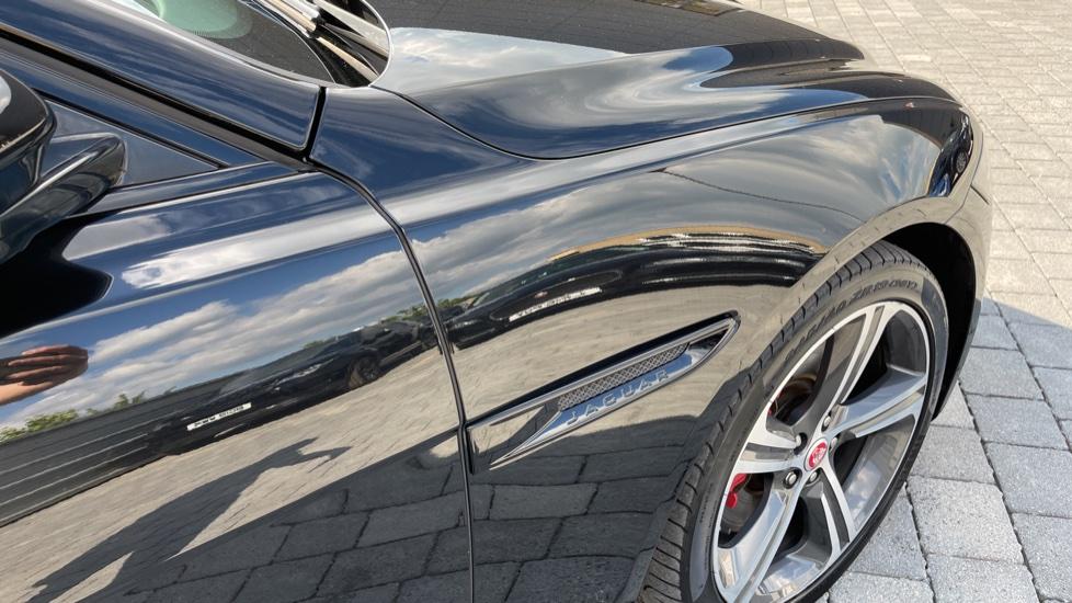 Jaguar XF 3.0d V6 S - Panoramic Roof - Navigation - Cruise Control image 22
