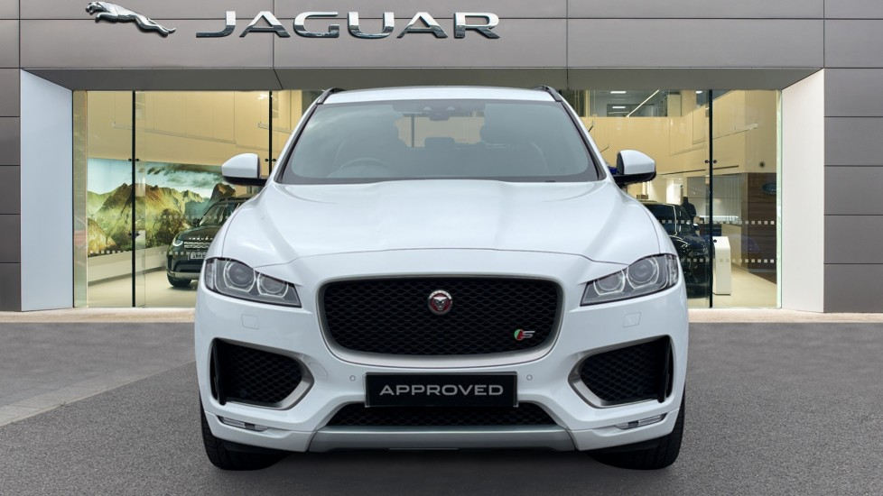 Jaguar F-PACE 3.0d V6 S 5dr AWD - Panoramic Sunroof and Heated Steering Wheel image 7