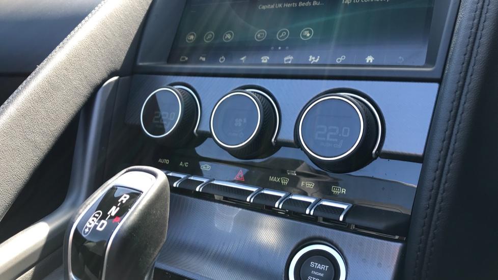Jaguar F-TYPE 2.0 P300 R-Dynamic 2dr image 14