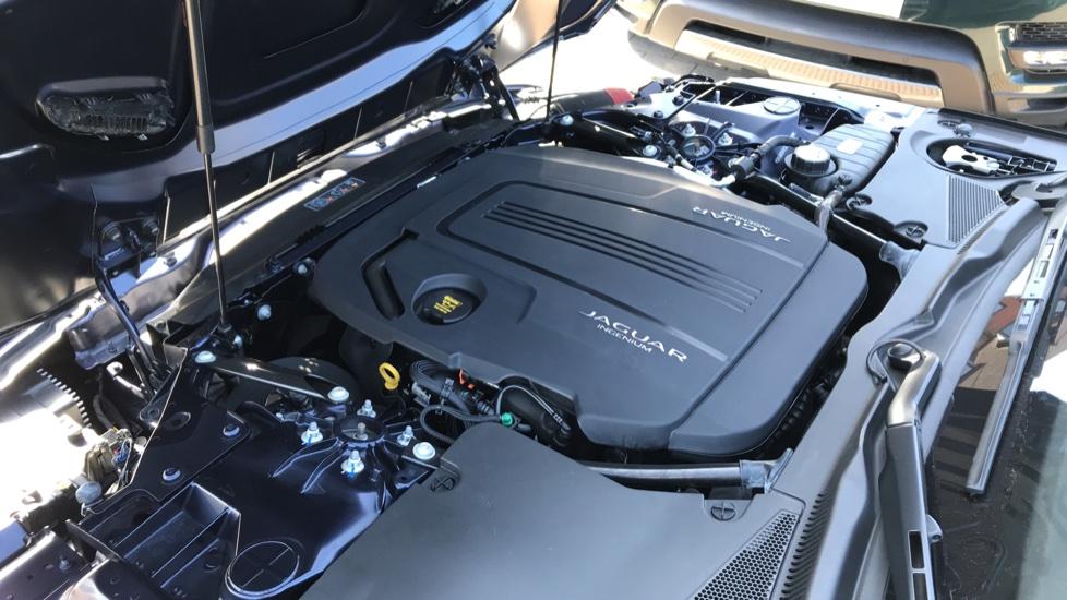 Jaguar F-TYPE 2.0 P300 R-Dynamic 2dr image 25