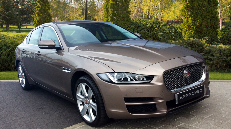 Jaguar XE 2.0d [180] Portfolio AWD Diesel Automatic 4 door Saloon (2016) at Jaguar Barnet thumbnail image