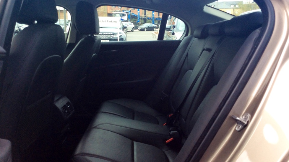 jaguar xe 180 portfolio awd diesel automatic 4 door. Black Bedroom Furniture Sets. Home Design Ideas