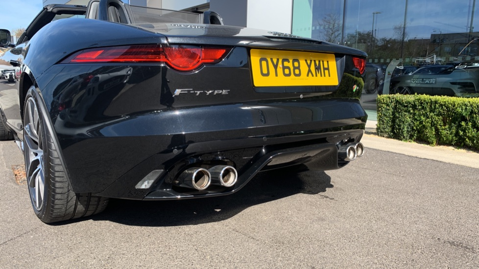 Jaguar F-TYPE 5.0 Supercharged V8 R 2dr AWD image 27