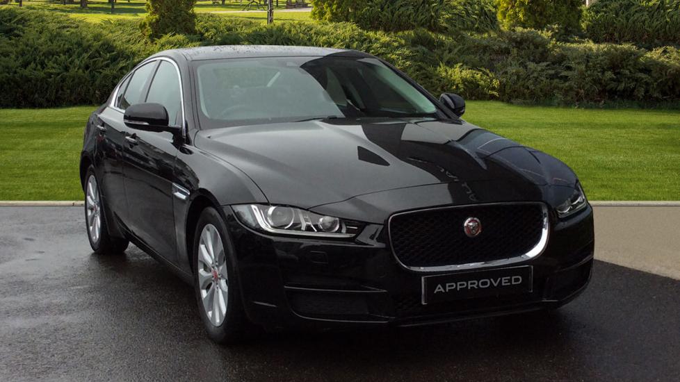 Jaguar XE 2.0d Portfolio 4dr Diesel Saloon (2015) image
