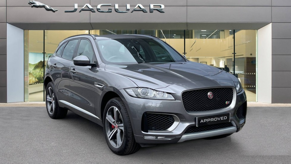 Jaguar F-PACE 3.0d V6 S 5dr AWD Meridian Sound System and mood lighting Diesel Automatic Estate