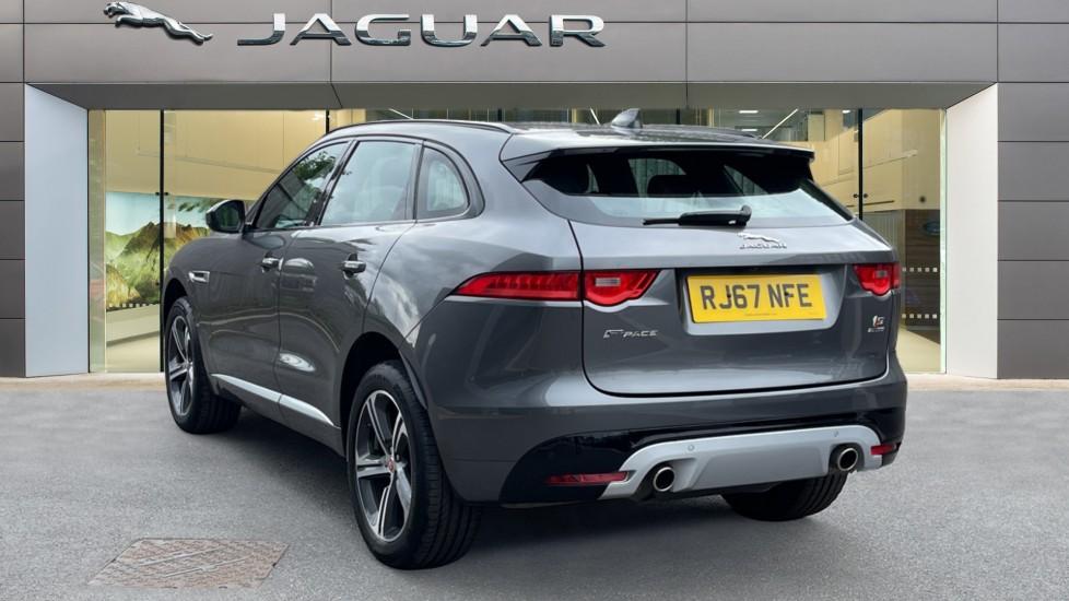 Jaguar F-PACE 3.0d V6 S 5dr AWD Meridian Sound System and mood lighting image 2