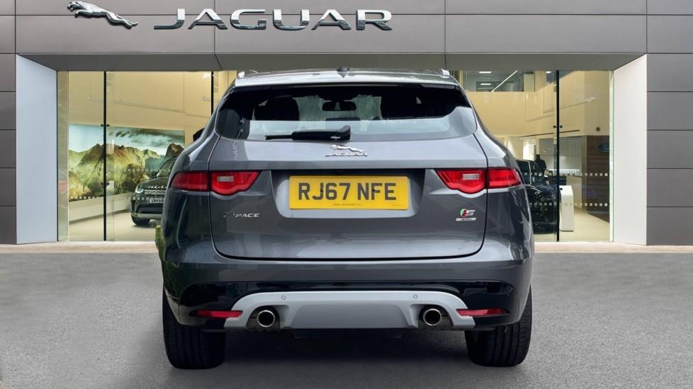 Jaguar F-PACE 3.0d V6 S 5dr AWD Meridian Sound System and mood lighting image 6