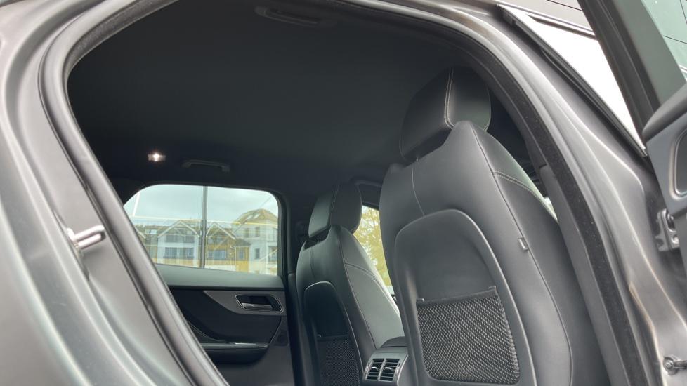 Jaguar F-PACE 3.0d V6 S 5dr AWD Meridian Sound System and mood lighting image 20